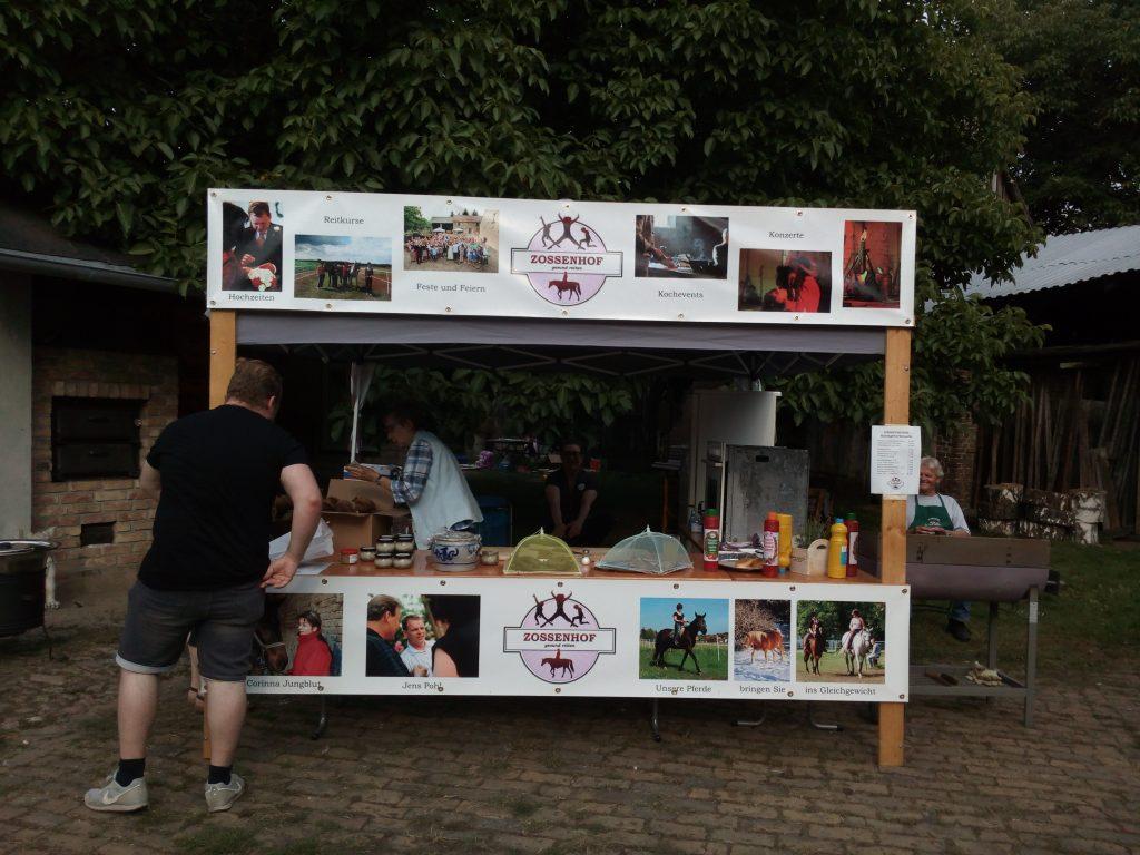 Grillstand beim Zossenhofer Kunstgewerbemarkt 2021
